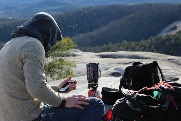 Smartphone Apps vsWild: Bear Essentials | Survival Smartphone Apps | Preparedness | Internet Connection