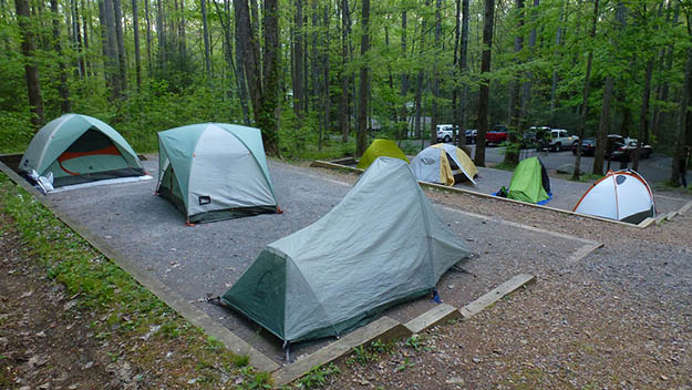 Plenty of options are available for a Smoky Mountains camping vacation. Via jauntsaroundtheworld.com