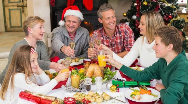 Mind your manners   Yuletide Survival   Survive Christmas Dinner With Your In-Laws