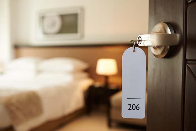 hotel room dor