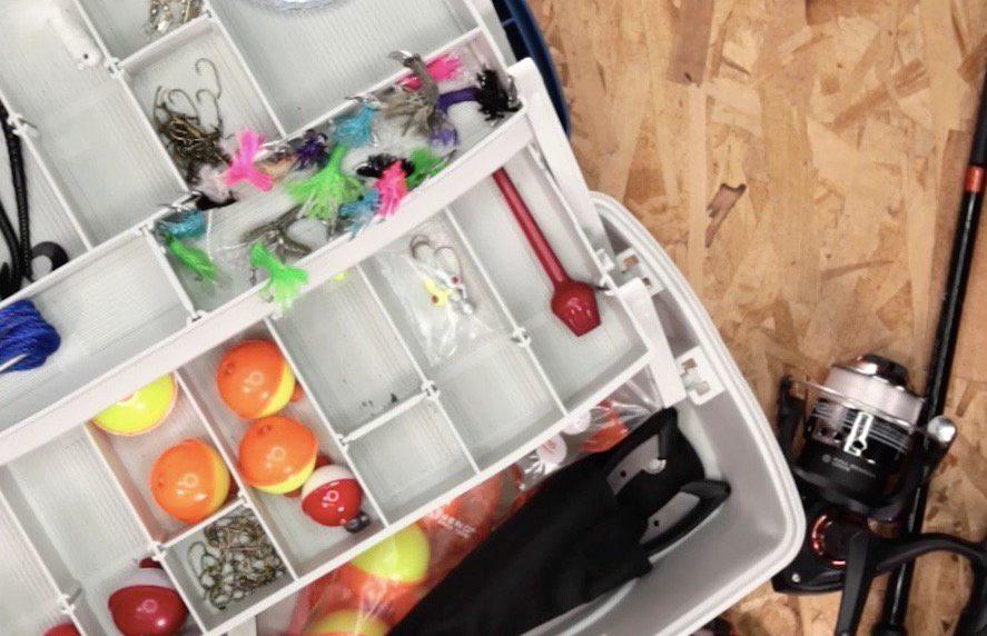 Make a Fish Hook Using a Soda Can Tab