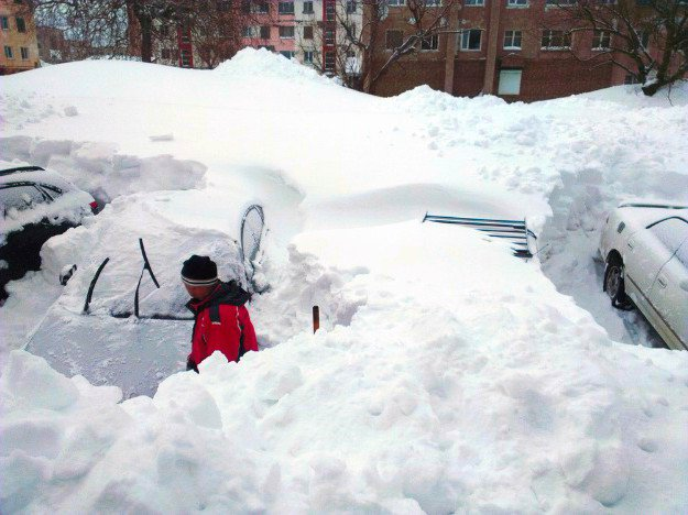 Determine What To Do When The Storm Is Over | Winter Storm Warning | Surviving a Winter Storm Trapped Outside