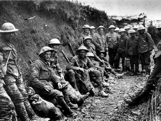survival shovel trench warfare