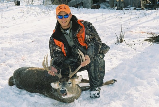 Pick weather or climate appropriate clothes | 5 Practical Tricks To Choosing Deer Hunting Clothes