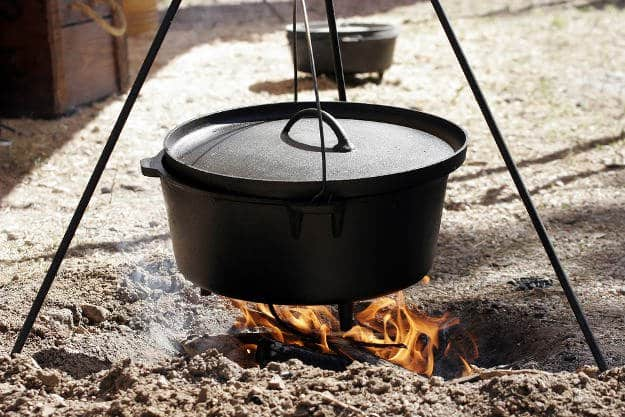 Cooking Dutch Oven Meals | Practical (Yet Delicious) Winter Campfire Cooking Ideas For Outdoor Cooking | winter bonfire party