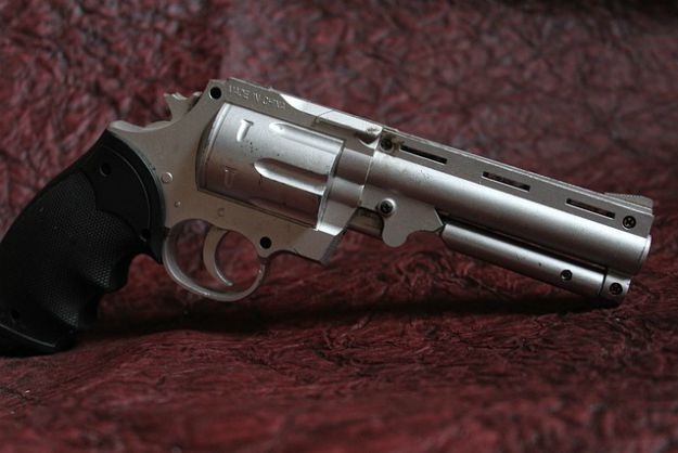Issues and Drawbacks | Revolvers for Survival | The Best Guns That Have Stood The Test Of Time