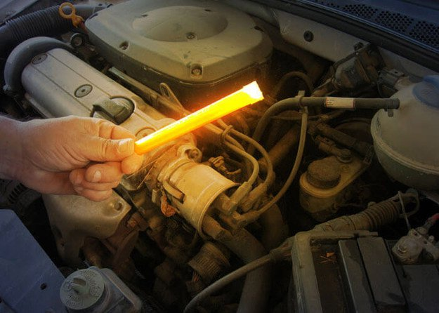 Fire, Light and Heat   Items You Need To Include In Your Emergency Car Survival Kit