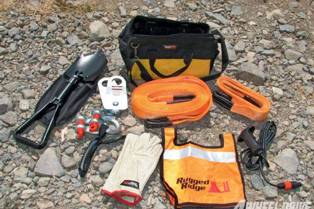 Recovery Kit | Items You Need To Include In Your Emergency Car Survival Kit