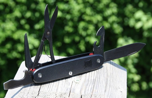 Swiss Army Knife | Everyday Survival: Work Survival Kit To Help You Survive The Daily Grind