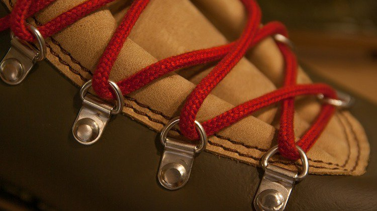 12 Unique Ways Shoelaces Could Save Your Life | Survival Life