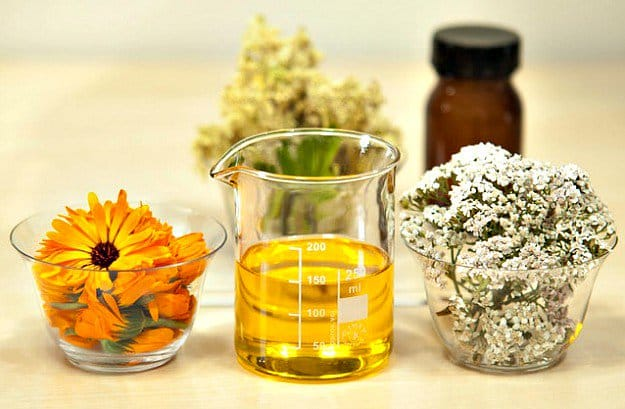 Thyme Or Rosemary Oil | 13 Natural Remedies For Headaches