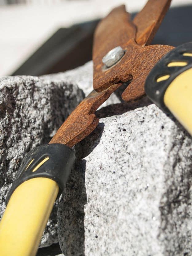 Remove Rust   Uncommon Aluminum Foil Survival Uses