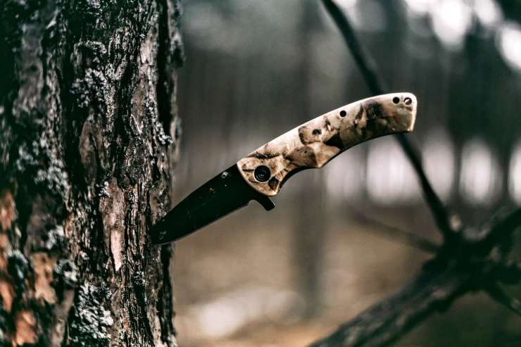 Knife in the woods | How To Sharpen A Knife At Camp [Video]