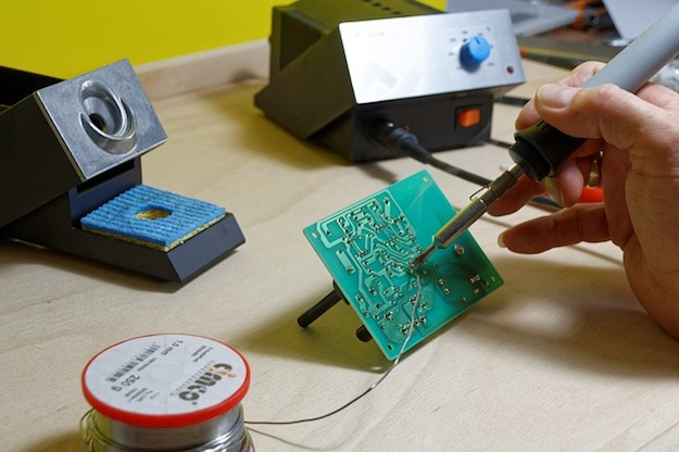 Test Your Soldering | $10 DIY Alarm System That Calls Your Cellphone | Home Security Systems | diy home security camera