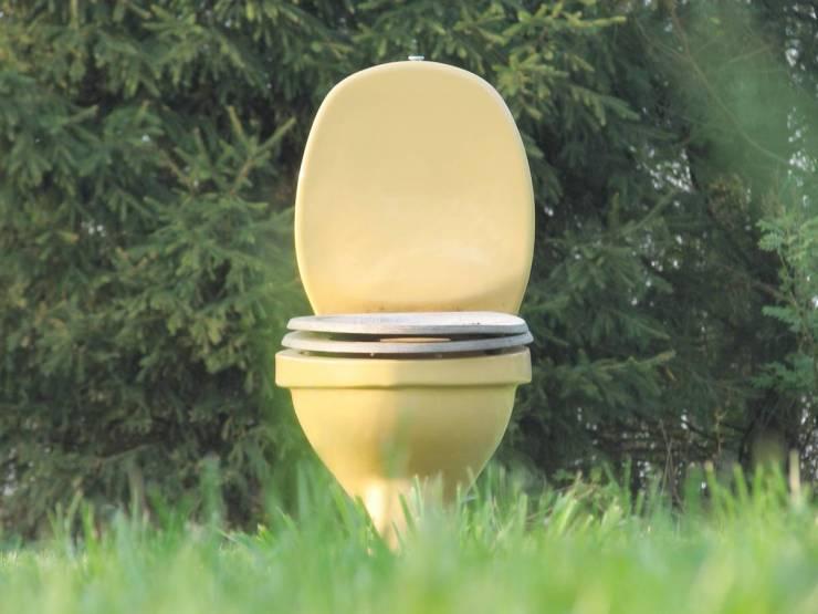 loo meadow outdoor | VIDEO TUTORIAL: DIY Outdoor Toilet | outside toilet solutions