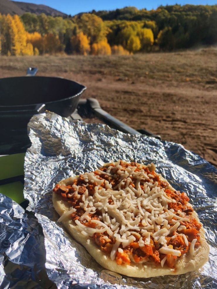 vegan-campfire-pizza | camping