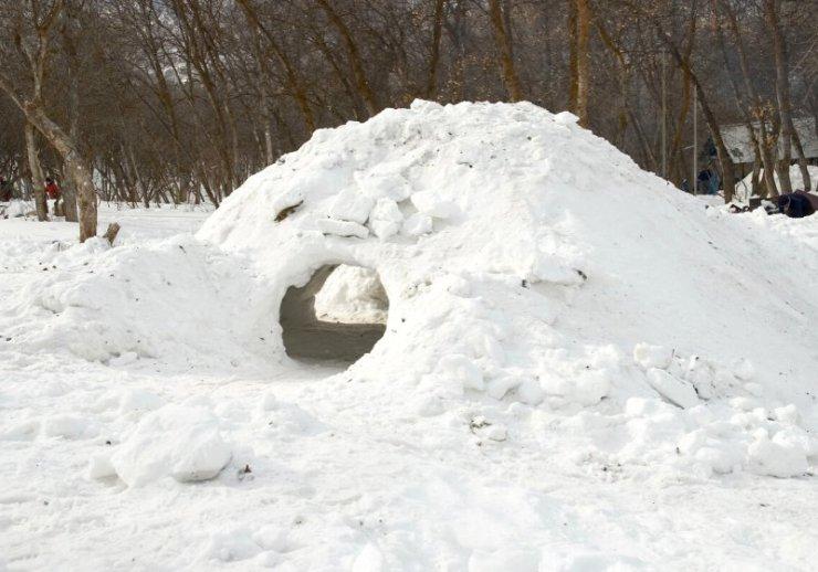 snow cave built mountains utah this   winter preparedness checklist