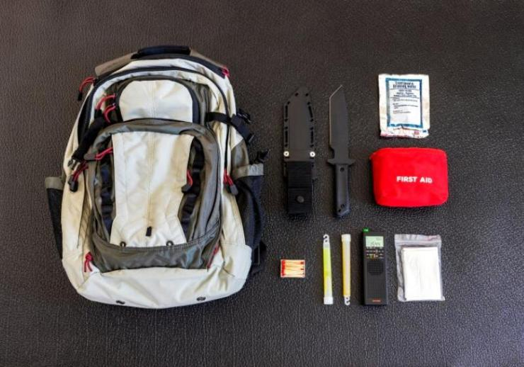 bug out bag emergency items against | simple backpack