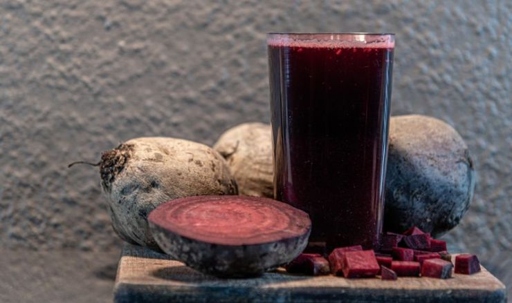 beet-juice-beta-vulgaris-sugar-herbaceous-homemade-deicer-SS