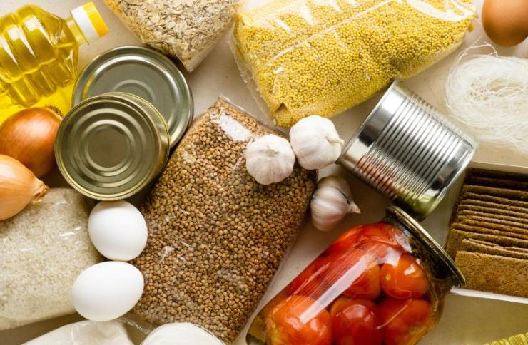 Stock of Non-Perishable Products | Car Emergency Kit