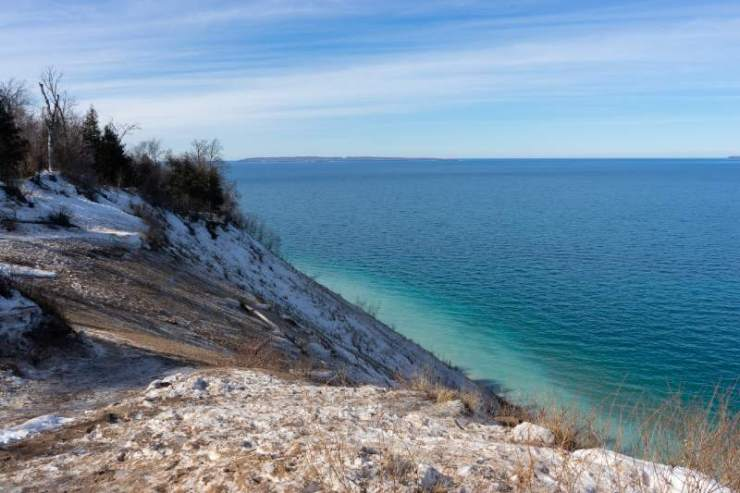 View from Pyramid Point trail of the Lake Michigan in winter-best hiking trails