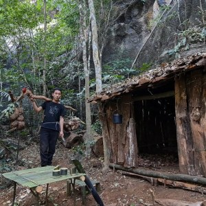 Find Food And Water In The Rainforest, Survival Instinct, Bushcraft, Kêm Mun, Survival Skills, Ep 26