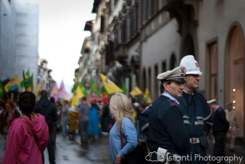 9_ProtestorsNearPalazzoMediciRiccardi