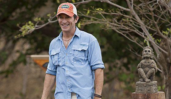 Jeff Probst hosts Survivor 2014 Blood Vs Water