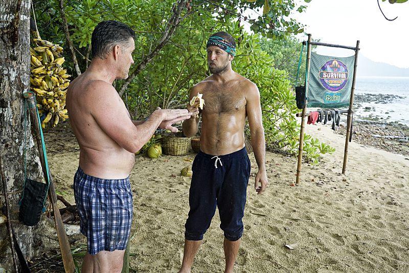 survivor-2015-s31-epi01-05-castaways-beach