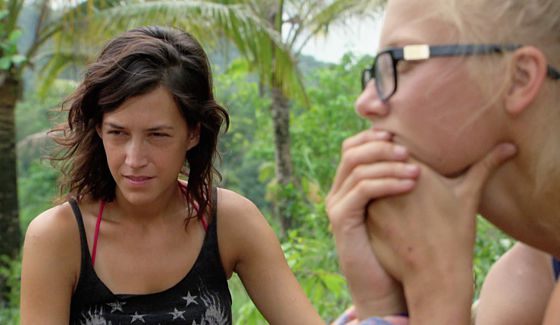 Ciera and Kelley plan their next moves on Survivor