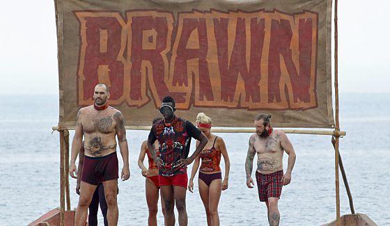 Survivor 2016 Brawn tribe prepares for Immunity