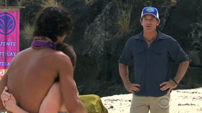 Jeff Probst hosts Survivor 2017 family reunion