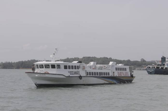 Kapal MV Oceanna saat berlayar baru-baru ini (Foto: Suryakepri.com/MBA)