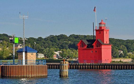 Biog Red lighthouses holland-harbor-lake-michigan