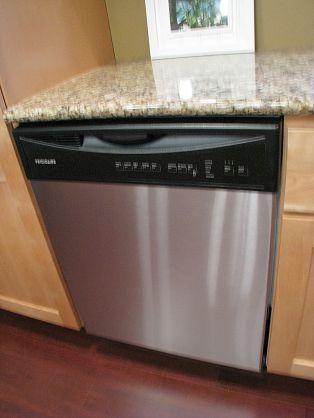 2437 Kitchen dishwasher