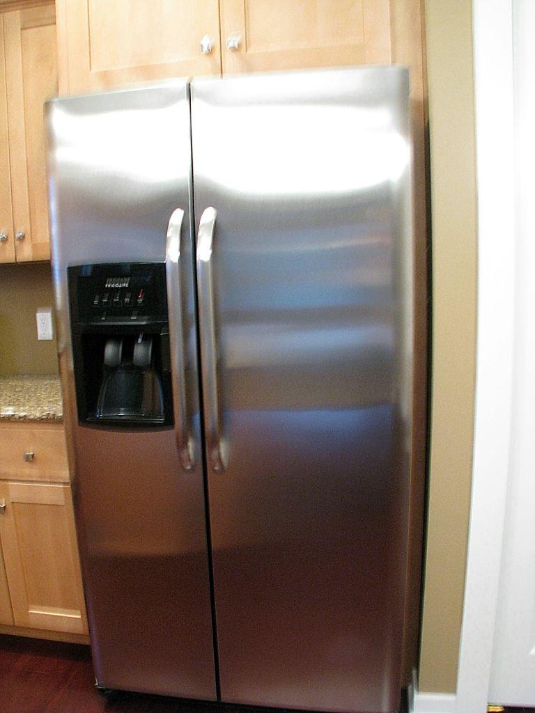2437 Refrigerator close up