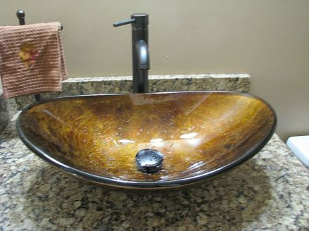 2437 Unique upgrade sink in half bath
