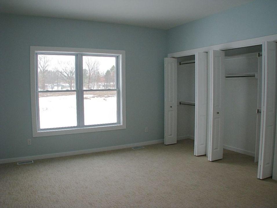 2518 Doors to master bedroom closets