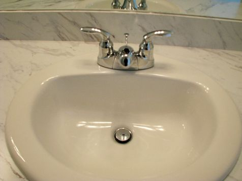 2518 Sink and faucet on master bath vanity