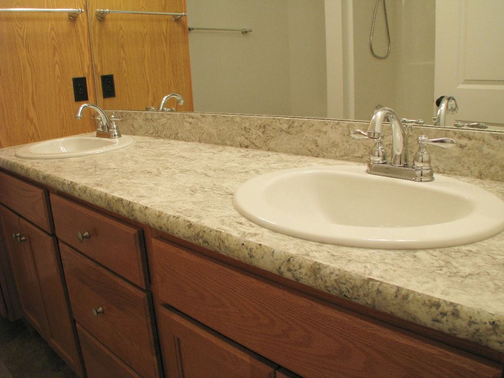 Counter Tops at Sawgrass Condos in Holland, MI