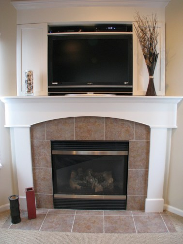 Fireplace corner with tv above