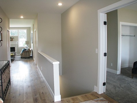 Foyer,LL stairway-flex room