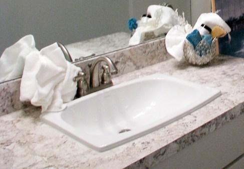 Full bath-Lower level-vanity sink