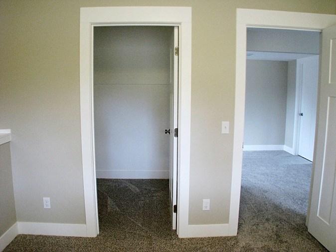 LL-BD closet