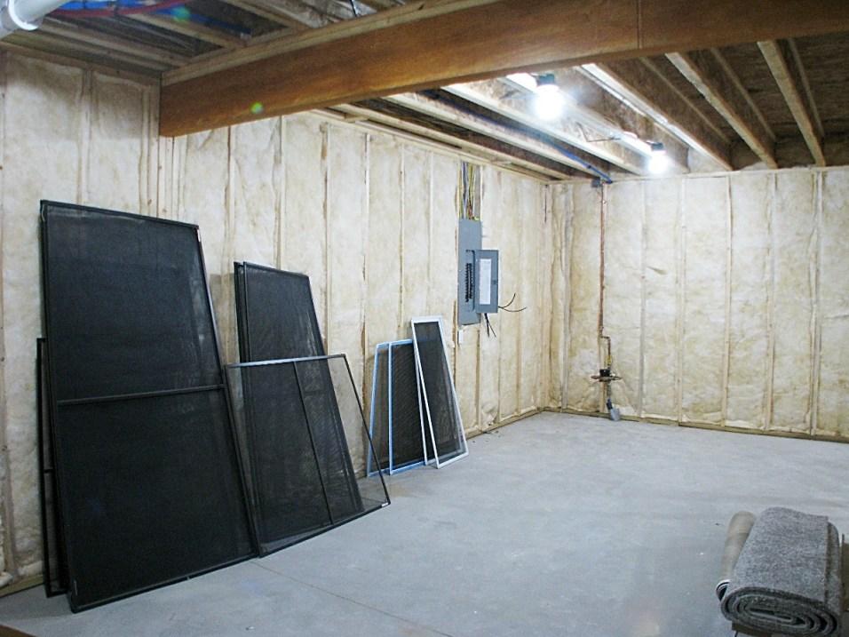 LL-Storage room