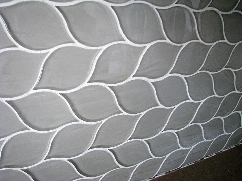 6408 glass tile back splash (1)
