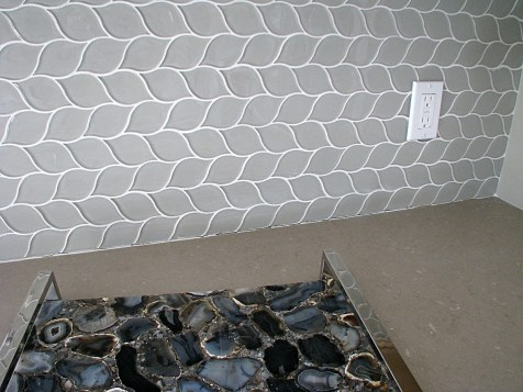 6408 glass tile back splash (3)