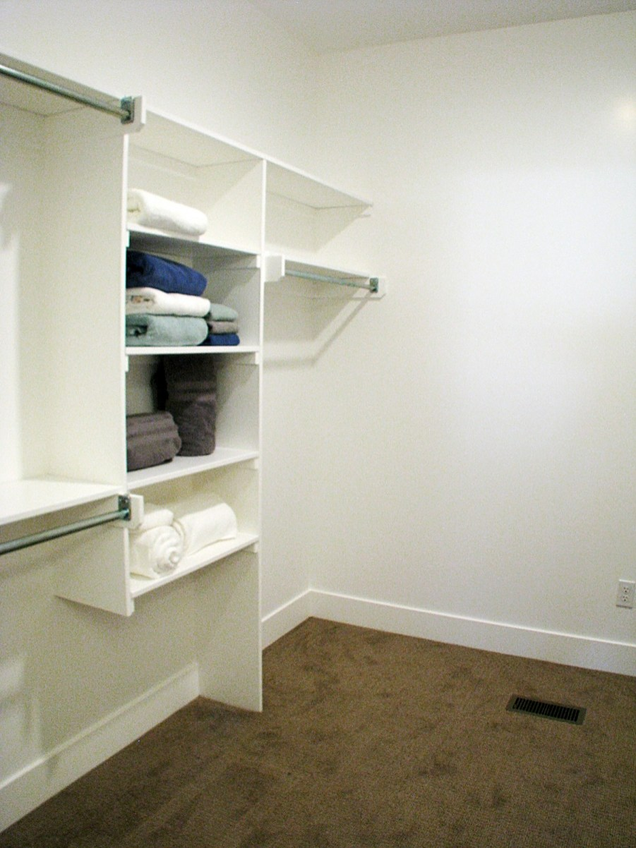 6406 Master bedroom-walk in closet2