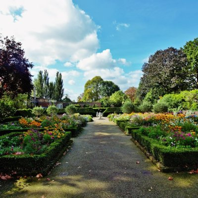 English Garden in Holland Park