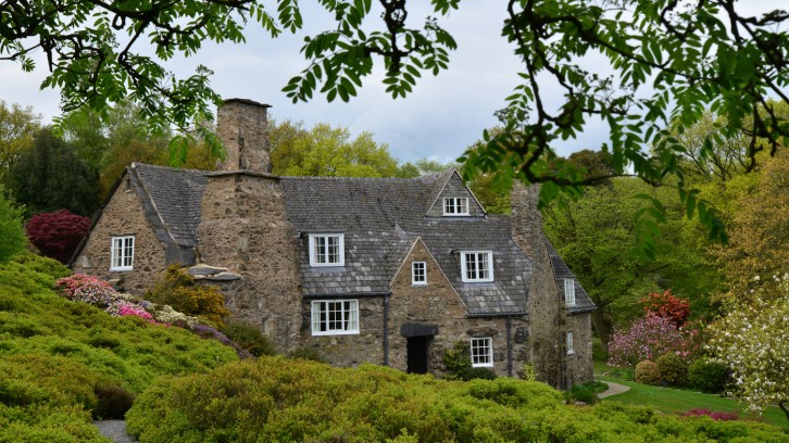 Susan Guy_Stoneywell_Cottage_Front_08.05.15 w